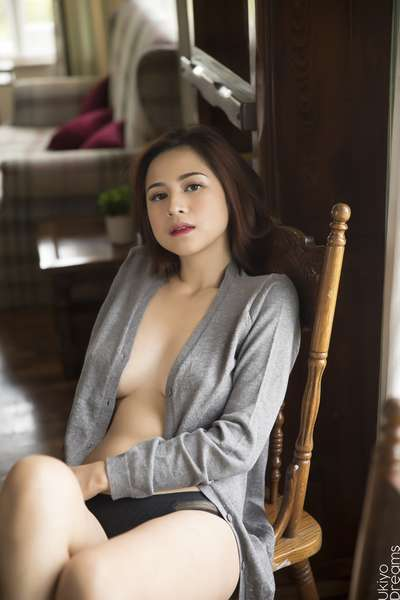Anne Magno Nude Pictures Pinay Model With Big Boobs Rare Nipples
